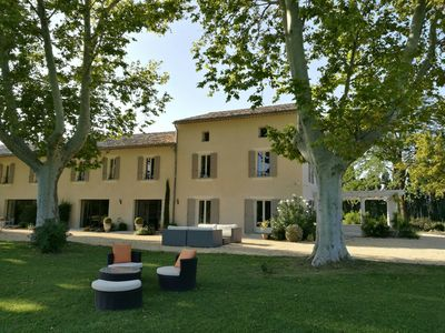 Photo for Superb farmhouse at the foot of the Alpilles near Saint Remy and Eygalières