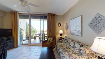 Photo for Beautiful Ground Floor One Bedroom Just Steps away from the Beach! Catalina 0109