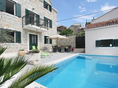 Photo for Cosy apartment for 8 guests with private pool, A/C, WIFI, TV, balcony, pets allowed and parking