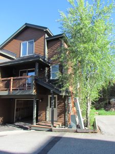 Photo for Stunning Townhome with mountain views, Ideal all season location