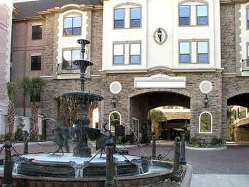 Galleria Furnished Apartment *all Bills Paid* 1 Block To Galleria Mall