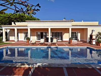 Photo for Private villa with pool and garden in Carvoeiro