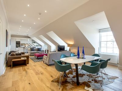 Photo for Heart of the City Luxury  3 Bedroom Apartment