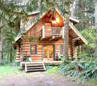 Photo for Snowline Cabin #10 - Log cabin at its best! Free Wi-Fi!