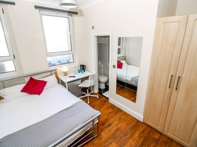 Photo for 1BR Apartment Vacation Rental in Greater London