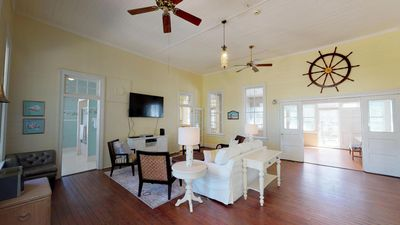 The Wheel House - Private Pool - Large Historic Home - One Block to Beach