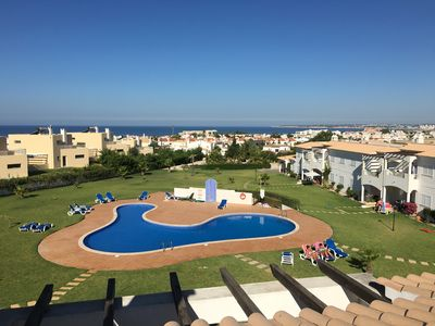 Photo for Magnificent house with wifi, pool, garden, near beach and golf-Galé Albufeira