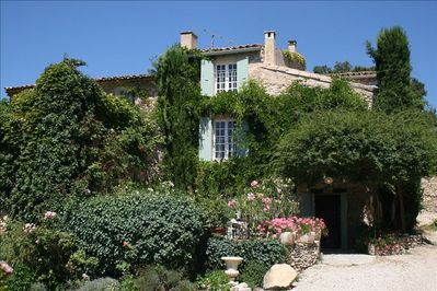 Rose Covered Entrance - Roussillon Luberon Provence Vacation Holiday Home & Pool