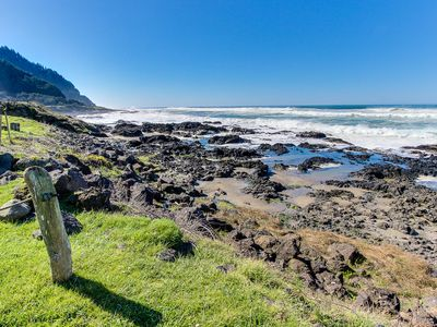 Photo for Oceanfront home w/tidepools in yard, short drive to sand!