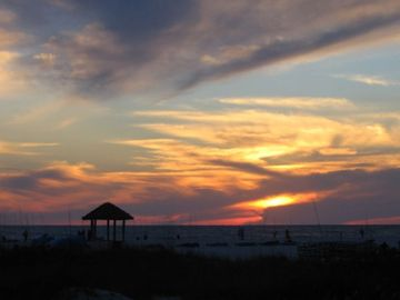 ** Paradise Awaits on St. Pete Beach *** FULL Gulf Front Condo**check specials**