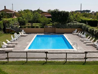 Photo for Apartment 3 countryside with wi-fi, swimming pool, grill, ideal for sea and art cities