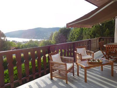 "Photo for Chalet ""Sunny Hill"" Panoramic view lake 400m ski slopes near downtown"