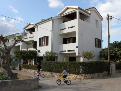 Photo for One bedroom apartment with balcony and sea view Turanj (Biograd)