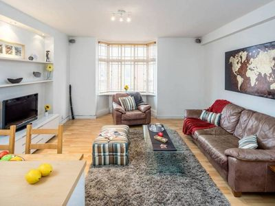 Photo for Apartment in London with Internet, Lift, Washing machine (1027384)