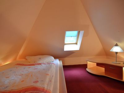 Photo for Tastefully furnished apartment in the north of Berlin with balcony in a quiet location
