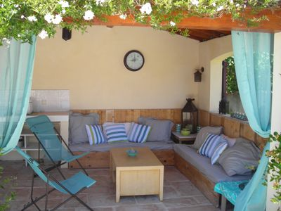 Photo for Air-conditioned villa 6 people and pool house fully equipped at 800m from the center of Uzes