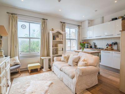 Photo for Charming Chelsea Home by the River Thames