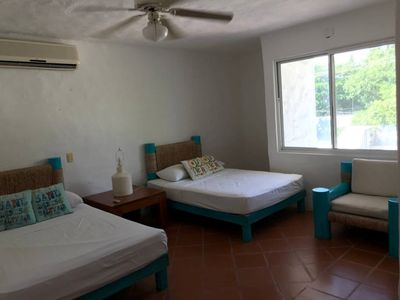 Unit #2 Beautiful Suite Chill beach front