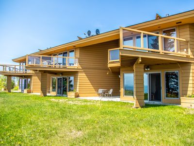 Photo for Beautiful Cliff Condo overlooking Lake Superior
