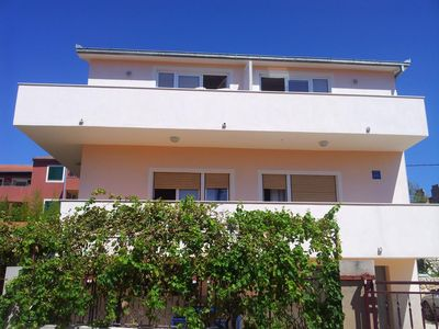 Photo for Studio flat with balcony and sea view Vinišće (Trogir)