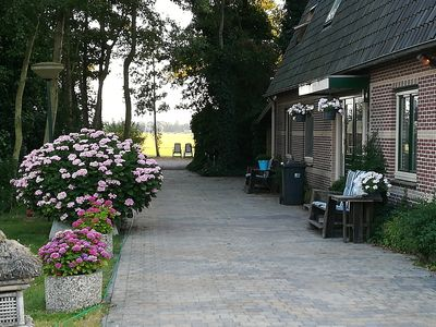 AMSTERDAM COUNTRY AREA 15 MINUTES FROM CENTER APARTMENT ON THE GROUND FLOOR