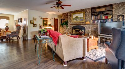 Photo for Beautiful Georgetown Square Minutes From Riverside Country Home, Family & Pets