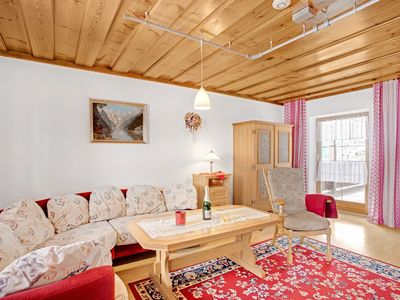 Photo for Cosy Apartment König with Balcony, WLAN, Garden & Mountain View; Parking Available, Pets Allowed