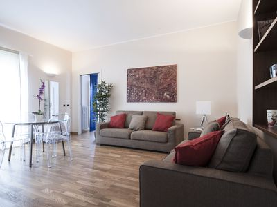 Photo for Beautiful 1bdr steps from Piazza San Babila