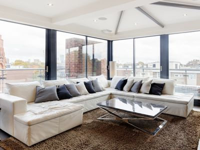 Photo for Beautiful penthouse apartment with amazing views