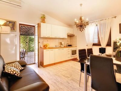 Photo for Apartment in Pula with Parking, Internet, Washing machine, Air conditioning (739204)