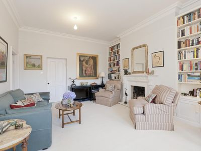 Photo for Gloucester Walk - luxury 1 bedrooms serviced apartment - Travel Keys