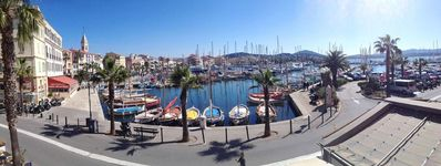 Photo for 2 rooms of 45 m2 on the port of sanary seen on the sharp