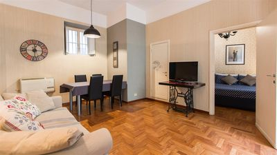 Photo for Spacious Veneto 2210 apartment in Borghese-Parioli with air conditioning.