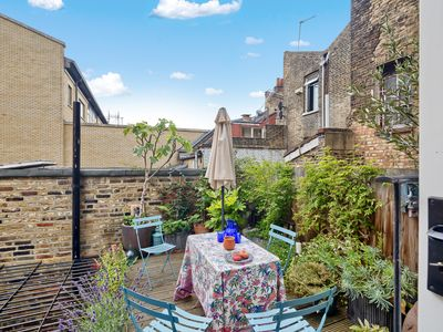 Photo for Bright and Stylish 2 Bed apt w/Garden in Hoxton
