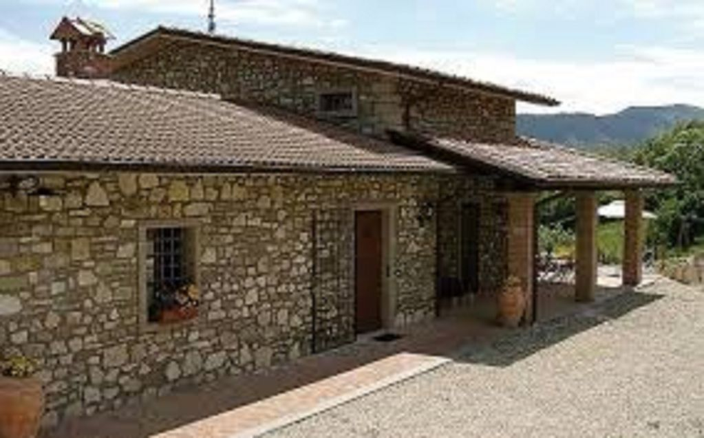 Sovaggio guest house stone build tuscany caprese for Tuscan view guest house