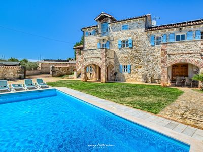Photo for Luxurious countryside villa near Porec