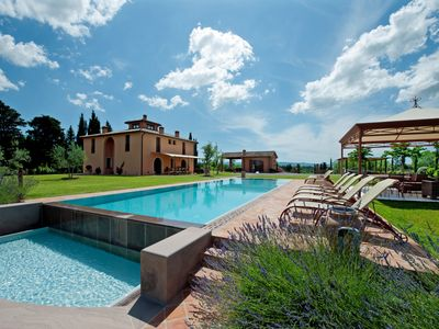 Photo for Villa Nova - Beautiful 4 bedroom villa in Tuscany