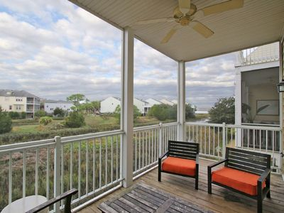 Photo for 87 Waters Edge - 3 bed/3 bath, sleeps 8 w/ Community Pool and Dock!