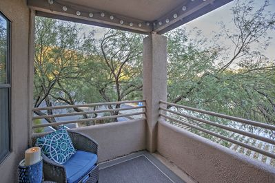 Escape to the Grand Canyon State with this wonderful Tucson vacation rental condo!