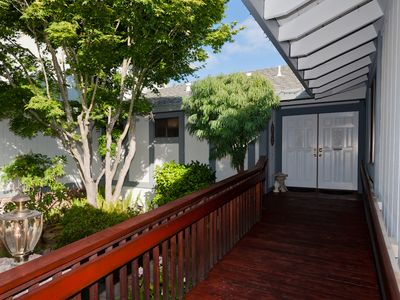 Photo for Large Custom 5 Bedroom One Level Home/Wine Country
