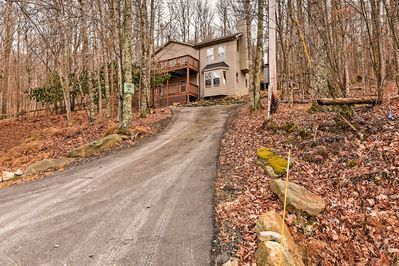 Your worries will melt away at this peaceful home!