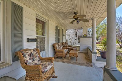 Experience the best of Bartlesville from this charming vacation rental house!