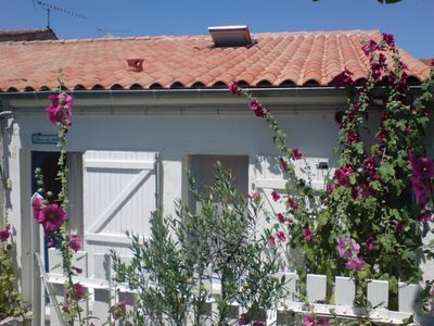 Photo for HOUSE IN THE PICTURESQUE QUARTER OF FOURAS WITH ITS OUTBUILDING