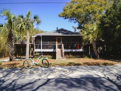 Photo for Cozy Cottage on Folly Beach!