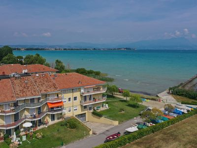 Photo for Costa D´Oro Lake Apartment - Apartment for 4 people in Sirmione