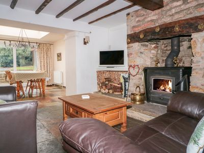 Photo for TWIXT COTTAGE, pet friendly, with open fire in Bream, Ref 998749