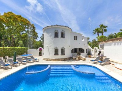 Photo for Large modern villa with private pool, aircon & wifi