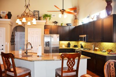 Gorgeous, well equipped gourmet kitchen