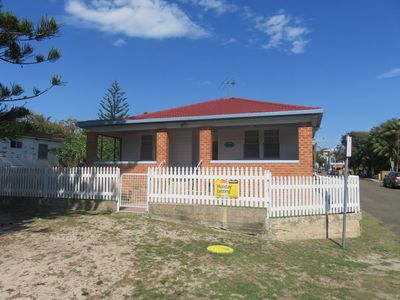 Photo for MRS MOTTEES COTTAGE - SHORT STROLL TO BEACH & AIRCONDITIONED