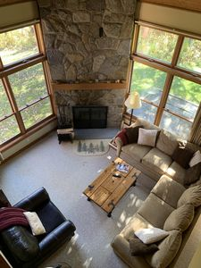 Trail Creek 3 bedroom +sleeping den ski home shuttle pool hot tub